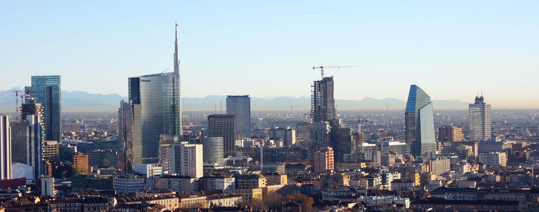 Milan Skyline Stock Photos & Milan Skyline Stock Images - Alamy