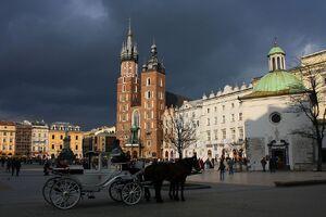 1024px-Rynek Glowny w Krakowie