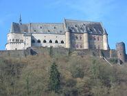 800px-Vianden castle