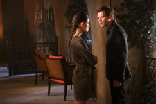 TO 2x15 Hayley Klaus
