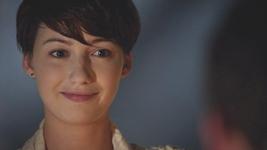 Esther cassie smile 2x01