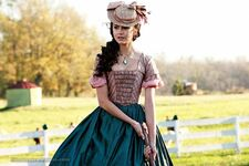 563px-The-vampire-diaries-nina-dobrev-as-katherine-3