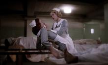 Rebekah zabija Genevieve