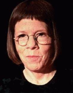 Linda Hunt Height