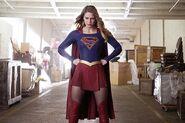 Supergirl 1x10 001