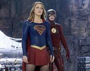 Supergirl 1x18 001