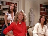 Charlie's Angels 1x04 006