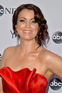 Bellamy Young 001