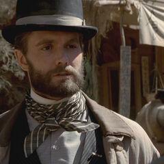 Garret Dillahunt como Francis Wolcott em Deadwood.