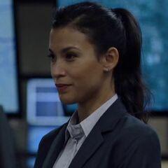 Kim Dickens como Kate Estrada em Sniper: Ultimate Kill.