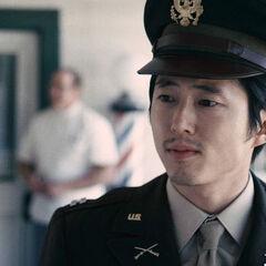 Steven Yeun como <i>Daniel Inouye</i> em <i>Drunk Story</i>