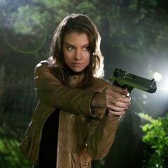 Lauren Cohan como Bela Talbot em Supernatural