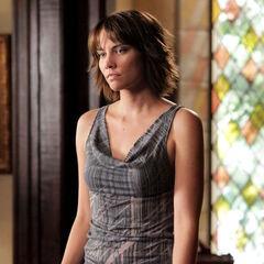 Lauren Cohan como Rose em The Vampire Diaries