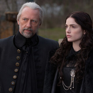 Xander Berkeley como Magistrado Hale em Salem