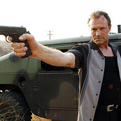 Michael Rooker como Ray Pelletier em Hypothermia