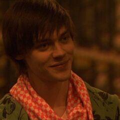 Tom Payne como Spencer em Skins