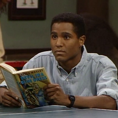 Seth Gilliam como Aaron Dexter em The Cosby Show