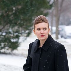 Maggie Grace como Christina em Aftermath.