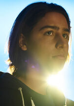 Fear-the-walking-dead-season-2-gallery-christopher-henrie
