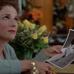 Tovah Feldshuh como Brenda Roberts em The Idolmaker