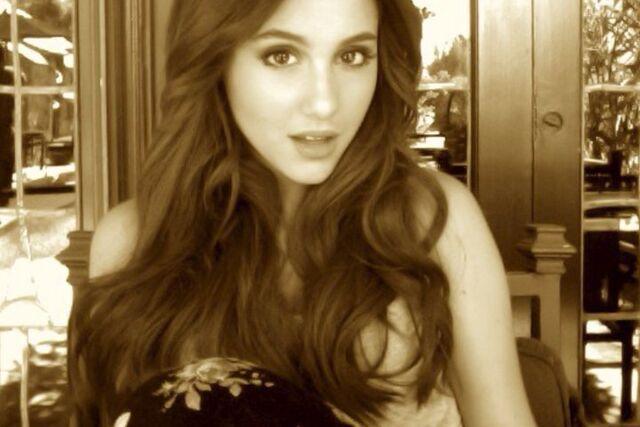 File:Ariana-grande-22.jpg