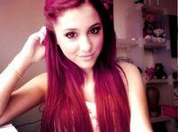 Ariana-grande-9