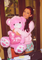 Ariana-grande-3