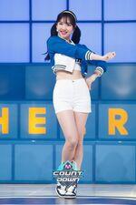 M COUNTDOWN 160428 Nayeon 2