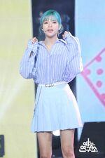 Music Core 180428 Jeongyeon 2