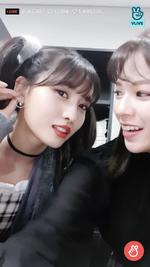VLive 181125 JeongMo 13
