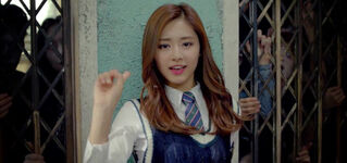 Tzuyu Like Ooh-Ahh MV 4