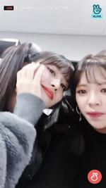 VLive 181125 JeongMo 3