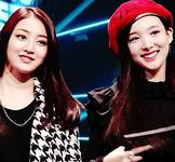Nayeon and Jihyo 2