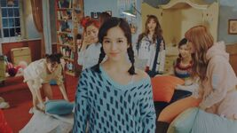 Mina Knock Knock MV 3