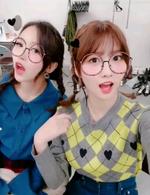 Momo and Mina IG Update 211017 3
