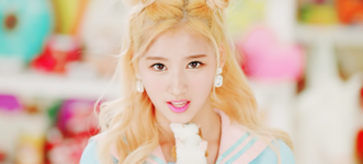 Twice Sana Cheer Up MV 3