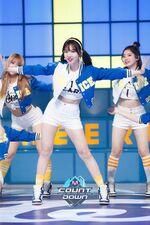 M COUNTDOWN 160428 Nayeon 3