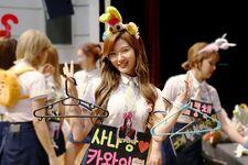 170607 Naver Starcast Sana Signal fansign 3