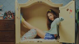 Chaeyoung Knock Knock MV 3