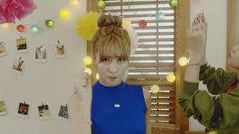 Momo Cheer Up MV 4