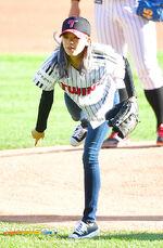 LG Baseball Game Jeongyeon 7