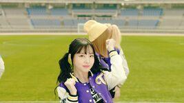 Nayeon Cheer Up MV 2