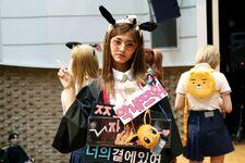170607 Naver Starcast Tzuyu Signal fansign 4