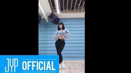 "TWICE MOMO ""FANCY"" Dance Video"