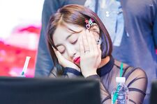 Yes Or Yes Yeouido Fansign Jihyo 9
