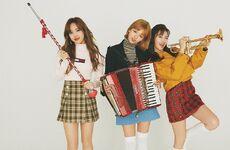 ViVi October 2017 Nayeon, Jeongyeon, & Sana