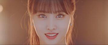 Yes Or Yes MV Screenshot 44