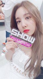 Show Champion 180718 Nayeon