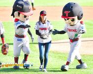 LG Baseball Game Jeongyeon 5