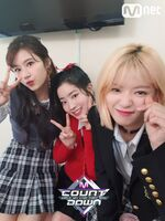 M COUNTDOWN 180426 Sana, Dahyun, & Jeongyeon
